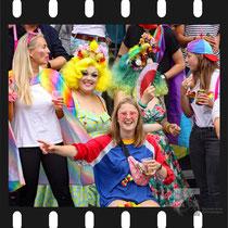 277 Amsterdam Canal Pride 2019 v.a de NH Radio Pride boot 26