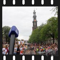 274 Amsterdam Canal Pride 2019 v.a de NH Radio Pride boot 26