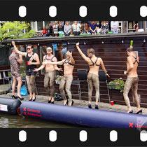 317 Amsterdam Canal Pride 2019 v.a de NH Radio Pride boot 26