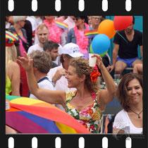 205 Amsterdam Canal Pride 2019 v.a de NH Radio Pride boot 26