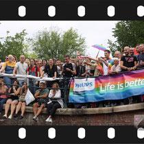159 Amsterdam Canal Pride 2019 v.a de NH Radio Pride boot 26