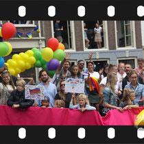255 Amsterdam Canal Pride 2019 v.a de NH Radio Pride boot 26