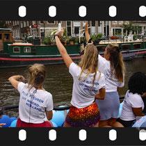 041 Amsterdam Canal Pride 2019 v.a de NH Radio Pride boot 26