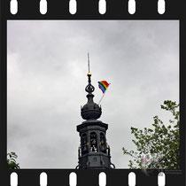 037  Amsterdam Canal Pride 2019 v.a de NH Radio Pride boot 26