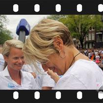 246 Amsterdam Canal Pride 2019 v.a de NH Radio Pride boot 26