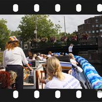 019   Amsterdam Canal Pride 2019 v.a de NH Radio Pride boot 26