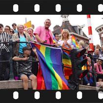 084 Amsterdam Canal Pride 2019 v.a de NH Radio Pride boot 26