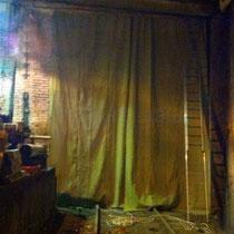 Брезентовая штора на гаражные ворота / ангар