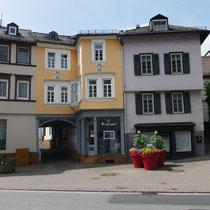 Ensemble mit Adolfstraße 15 (rechts im Bild)