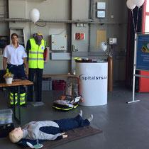 Unser Firstresponder-Stand im Hangar der Rega.