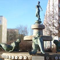 """Frauen-Brunnen"", Magistrale"