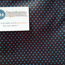 Mini pois bleu turquoise fond gris foncé