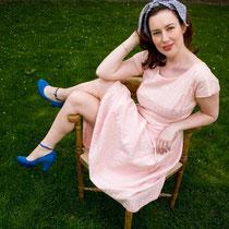 JEANIE BARTON.                                                                                          www.jeaniebarton.com