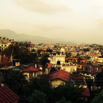 Blick auf Kathmandu von der Dachterrasse