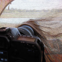 Kamera im Tarnzelt