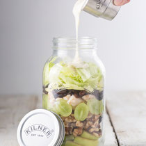 Food to go jar. Salat im Glas. Kilner.