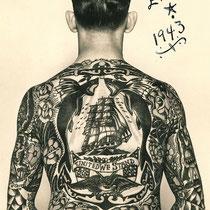 les gars de la marine le tatouage de marin photos de tatouages site de photostatouages. Black Bedroom Furniture Sets. Home Design Ideas