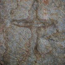 Pilgerweg Vilajuiga Kreuz auf Felsen
