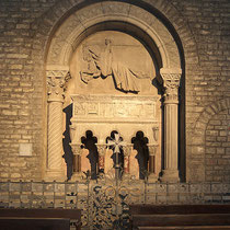 Grabmal Ramon Berenguer III. in Ripoll ( Wikimedia Commons / J.L.F. Cabana)