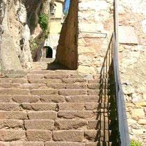 Blick zum Heiligtum Montgrony