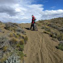 Radeln in der patagonischen Wüste