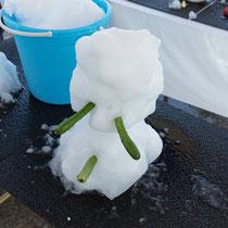 雪だるまづくり!!