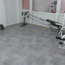 Genügend Platz auch für das Training mit Freigewichten und gymnastische Übungen.