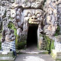 Goa Gajah Tempel Bali