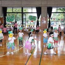 湘南まるめろ保育園の3歳児さんのやんちゃ怪獣ゴー!ゴー!ゴー!可愛くてカッコイイ踊りを披露してくれました。怪獣ポーズきまってましたね☆