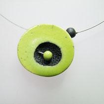acceder au detail du collier contmporain en ceramique raku vert