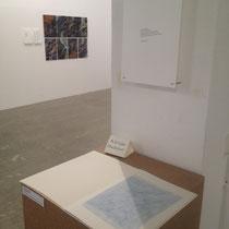 """Ausstellungsansicht Kulturhalle mit Künstlerbuch """"Schief gegangen"""", 2014, 16 Seiten mit 7 Zeichnungen"""