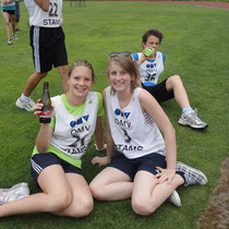 Julia und Katrin entspannt nach dem Wettkampf
