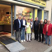 Brécey: boulangerie-patisserie Saint-Denis: vitrine et accès handicapés
