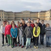 Wie tausende Touristen machten auch wir Fotos von Schönbrunn