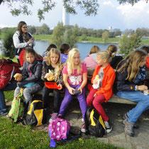 Bei der gemeinsamen Jause im Donaupark
