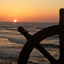Sonnenuntergang -Strandkneipe in Ciaccia