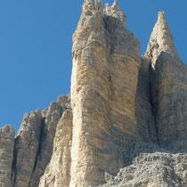 die 'einfacheren'  Kletterwände der Drei Zinnen