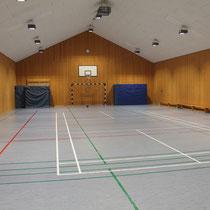 Die Sporthalle in Schmalensee ist gleichzeitig unsere Bewegungsraum. XXL! Mehr geht nicht.