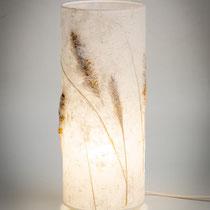 PAPIER-art ART-papier, Tischlampe, handgeschöpftes Papier, Kozo mit Gräsern, Handarbeit, Mattsee, Salzburger Seenland