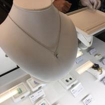 オークション出品商品ダイヤモンドネックレス写真1