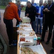 Unser Fischhändler Sven in Aktion