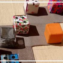 """Instrument pédagogique et tapis à histoires """"Le Cube à Grandir"""" - FILARIUM"""
