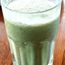 Wheatgrass smoothie - wheatgrass, fruit, honey, milk/soy milk, ice, maca