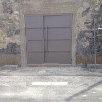 """Fabrication sur mesure d""""une porte double en fer dans le gard"""