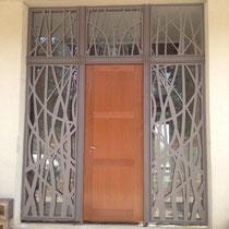 Remplacement d'une porte d'entrée dans le gard