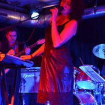 VIOLA MIRAGE (Avantgarde-Rock,Gothic-Jazz)im Dez. 2011 im Acud-Sessioncafe, Berlin (Germany)