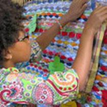 Webarbeit mit eingearbeiteten Wünschen der Kinder