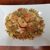 80. Surinaamse nasi met kipfilet en gamba's (pikant)