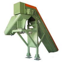 Goulotte de répartition sous convoyeur à tapis charnières M2. Orientation mécanique.