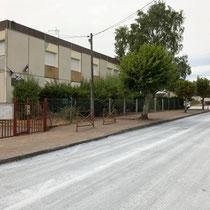 Le collège, vu de la rue du Moulin à vent